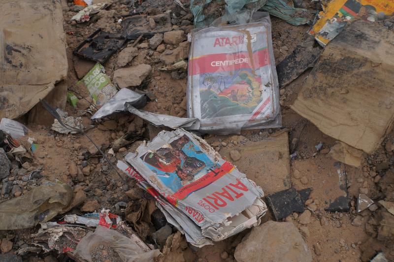 Как Atari в 1983 году похоронила нераспроданные физические экземпляры своих игр, так и сейчас цифровые версии зачастую отправляются на импровизированную свалку истории