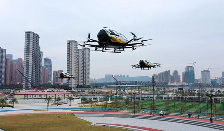 Групповой полёт аэротакси. Источник изображения: EHang