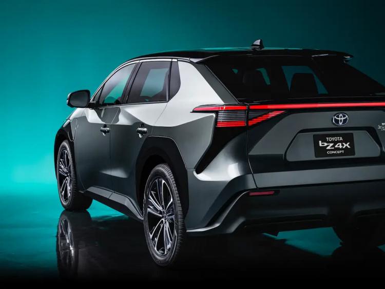 Toyota представила первый из 15 электромобилей, которые планирует выпустить до 2025 года