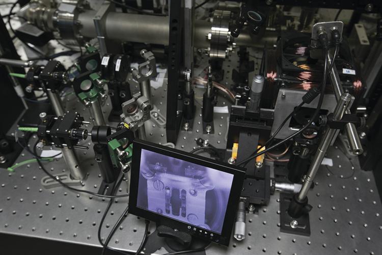 Изображения Центра квантовых технологий МГУ