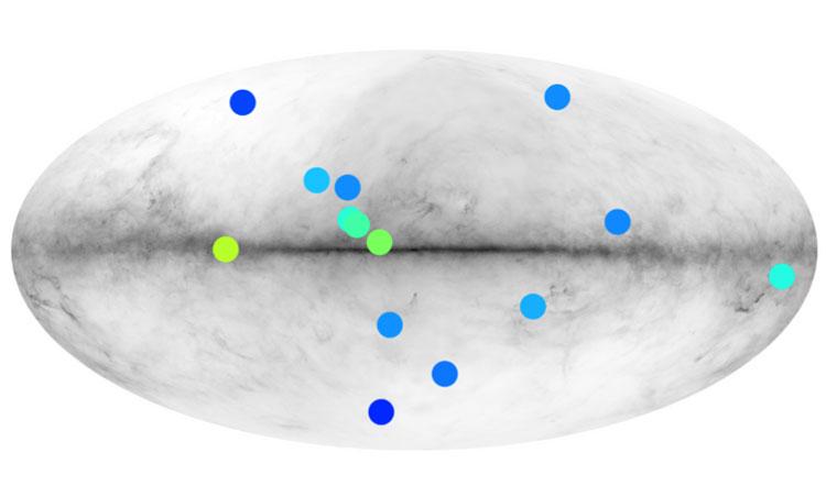 Точками обозначены источники гамма-излучения, которые могут быть звёздами из антиматерии. Источник изображения: IRAP CNRS