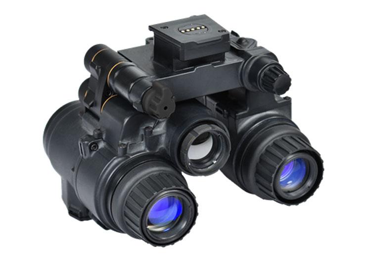 Бинокуляр, тепловизор и AR-очки в одной упаковке — это прибор ночного видения ENVG-B