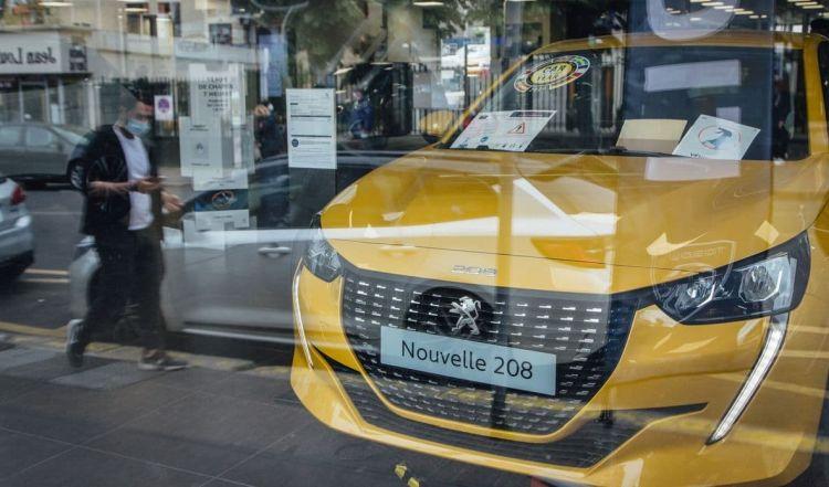 Дефицит вынудил концерн Stellantis сократить производство автомобилей на 190 тысяч, и дальше будет только хуже