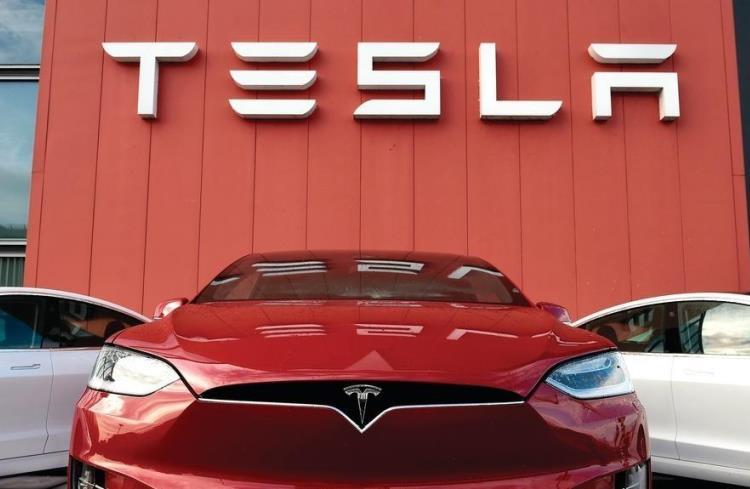 Электромобили Tesla Model 3 и Model Y снова подорожали — самая дешёвая Tesla теперь стоит  500