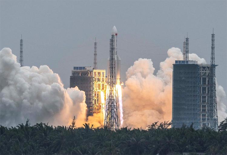 Впервые в истории  китайский аппарат осуществил успешную посадку на Марсе