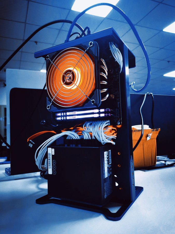 "MINISFORUM готовит игровой компьютер открытого типа Game Mini на платформе AMD"""