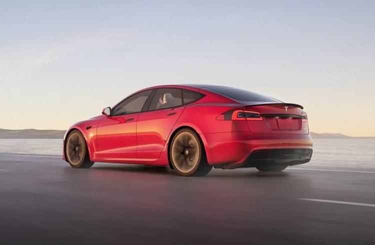 Минпромторг пригласил Маска в Российскую Федерацию  обсудить строительство завода Tesla