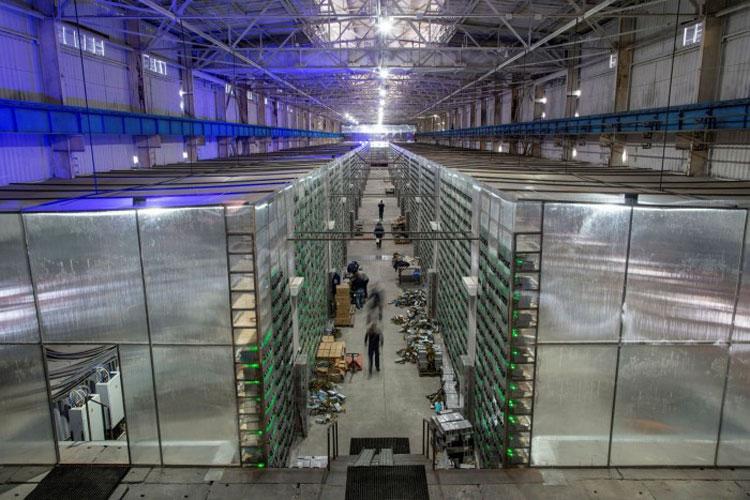 Криптоферма где-то в России. Источник изображения: Andrey Rudakov/Bloomberg