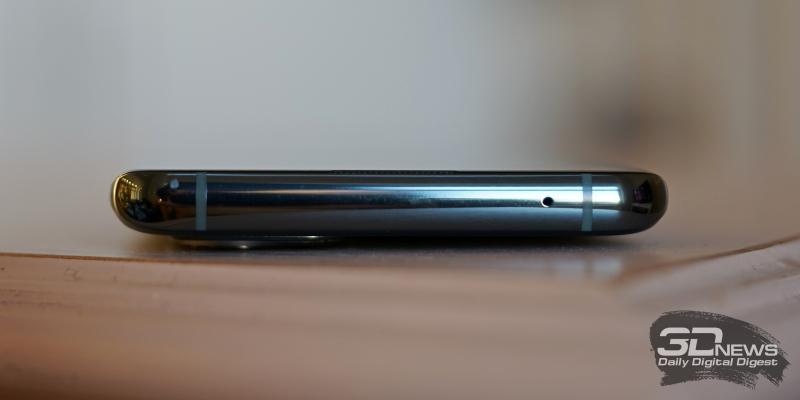OnePlus 9 Pro, нижняя грань: основной динамик, порт USB Type-C, микрофон, слот для двух карточек стандарта nano-SIM
