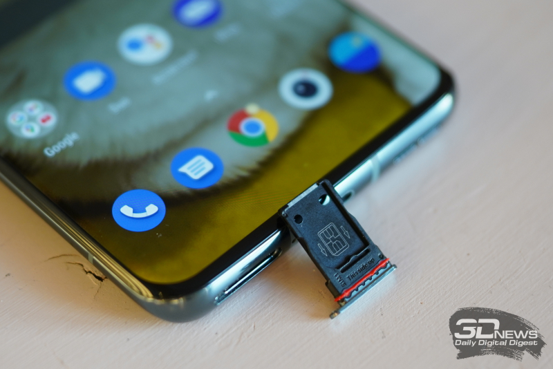 OnePlus 9 Pro, слот для двух карточек стандарта nano-SIM