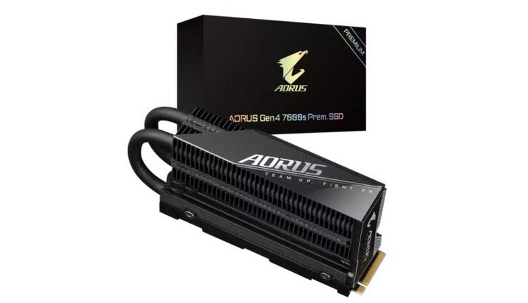 Gigabyte выпустила Aorus 7000s Prem. — SSD с огромной системой охлаждения и скоростью до 7 Гбайт/с