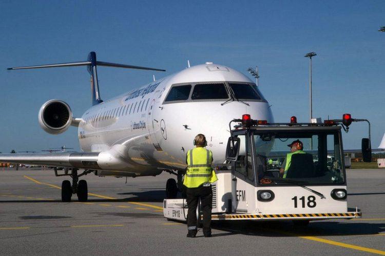 Сервис Azure Video Analyzer, являющийся частью Azure Applied AI, помогает наземным службам более эффективно разворачивать самолёты Lufthansa для следующего рейса.