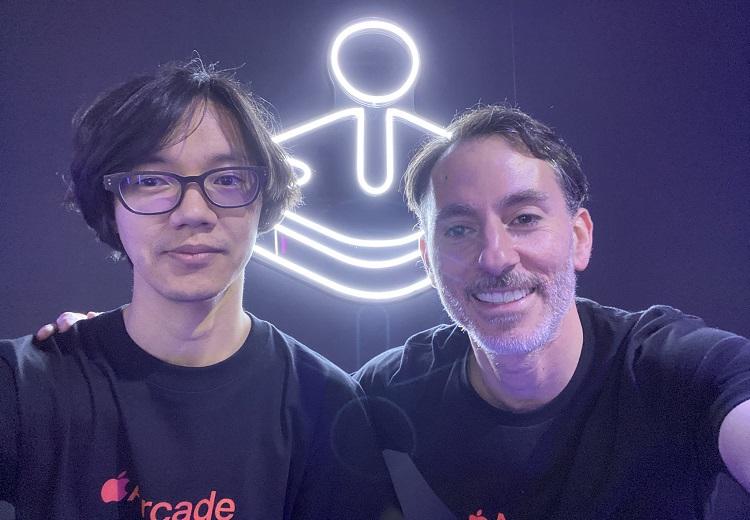 Слева — режиссёр Shinsekai: Into the Depths Сюйти Кавата, справа — Питер Фабиано (источник изображения: Twitter)