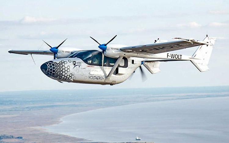 Оснащённая гибридной силовой установкой совершила более 80 полётов. Источник изображения: VoltAero