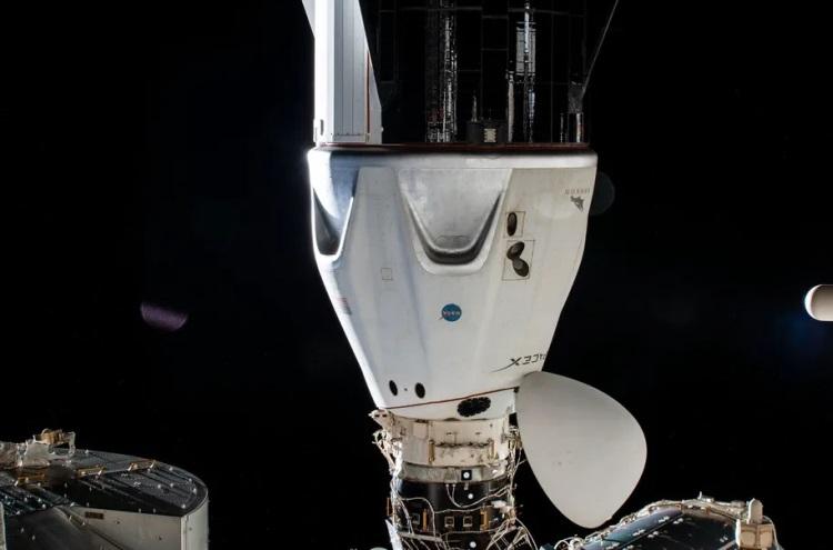 Пристыкованный к МКС корабль Crew Dragon / Фото: NASA