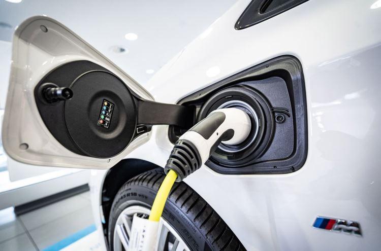 BMW построит 360 тыс. зарядных станций для электромобилей в Китае