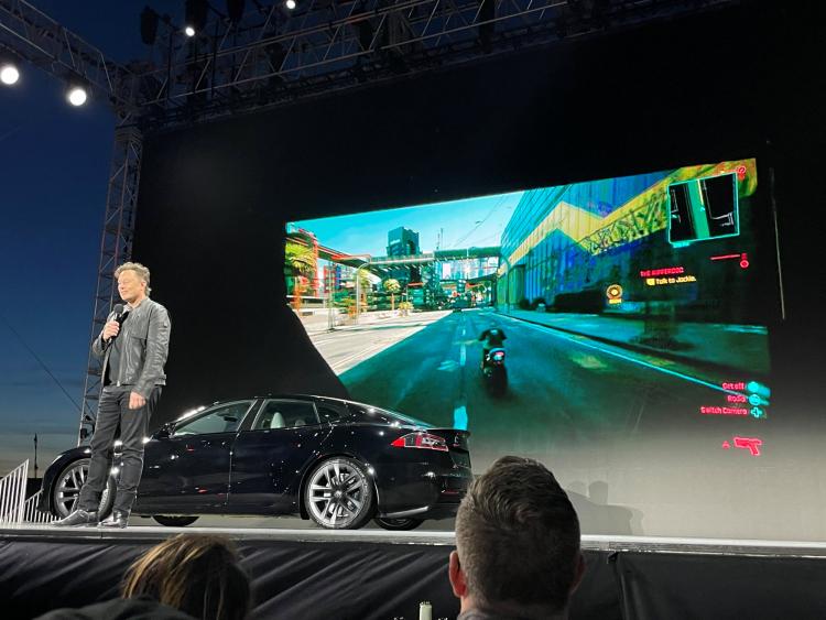 Илон Маск показал, что новая Tesla тянет Cyberpunk 2077