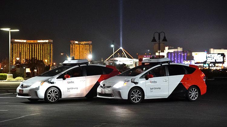Беспилотные автомобили Яндекса на выставке CES в Лас-Вегасе   Источник: taxi.yandex.ru