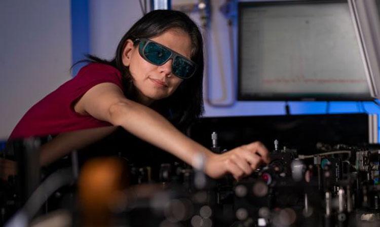 """В Австралии создали революционные компактные очки ночного видения без сложной электроники"""""""