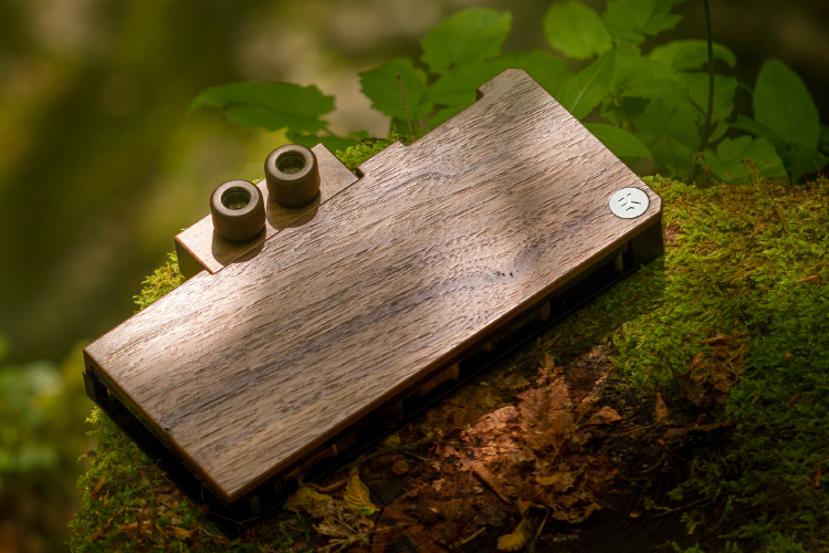 Водоблок EK Lignum для видеокарт NVIDIA GeForce RTX 3080/3090 получил отделку из дерева4