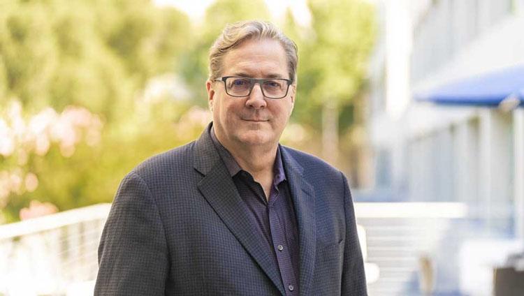 Новый главный технолог Intel Грег Лэвендер. Источник изображения: Intel