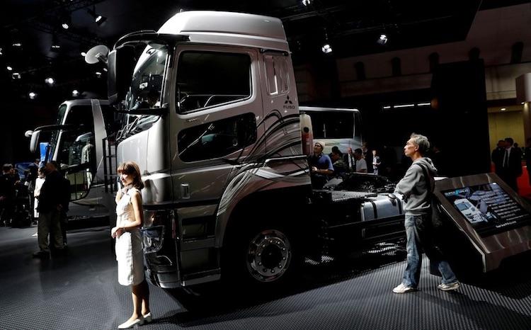 """Daimler, Volvo и Traton вместе построят сеть зарядных станций для электрических грузовиков"""""""