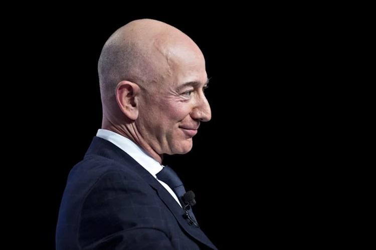 Основатель Amazon Джефф Безос / Изображение: Yahoo!