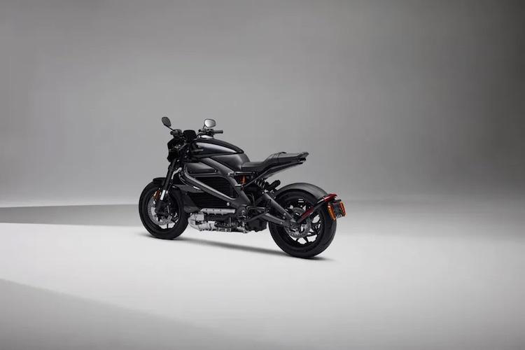 """Harley-Davidson представила электрический мотоцикл LiveWire One с дальностью хода до 230 км и ценой $22 тыс."""""""