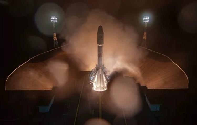 """«Ростех» создаст парашюты для возвращения ступеней многоразовых космических ракет"""""""
