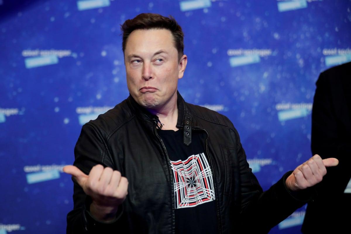 Илон Маск поддержал Рогозина, который предложил олигархам вкладываться в космическую отрасль