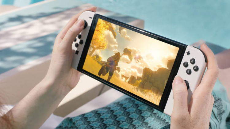 Sony поднимет цены на PlayStation 5, если Nintendo Switch OLED окажется успешной, считают аналитики