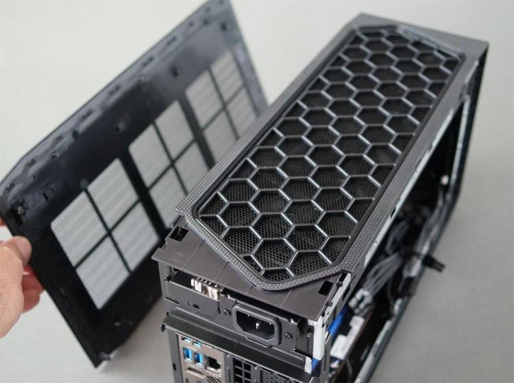 Первое вскрытие компактного игрового компьютера Intel NUC 11 Extreme Beast Canyon— всё очень плотно6