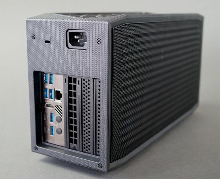 Первое вскрытие компактного игрового компьютера Intel NUC 11 Extreme Beast Canyon— всё очень плотно2