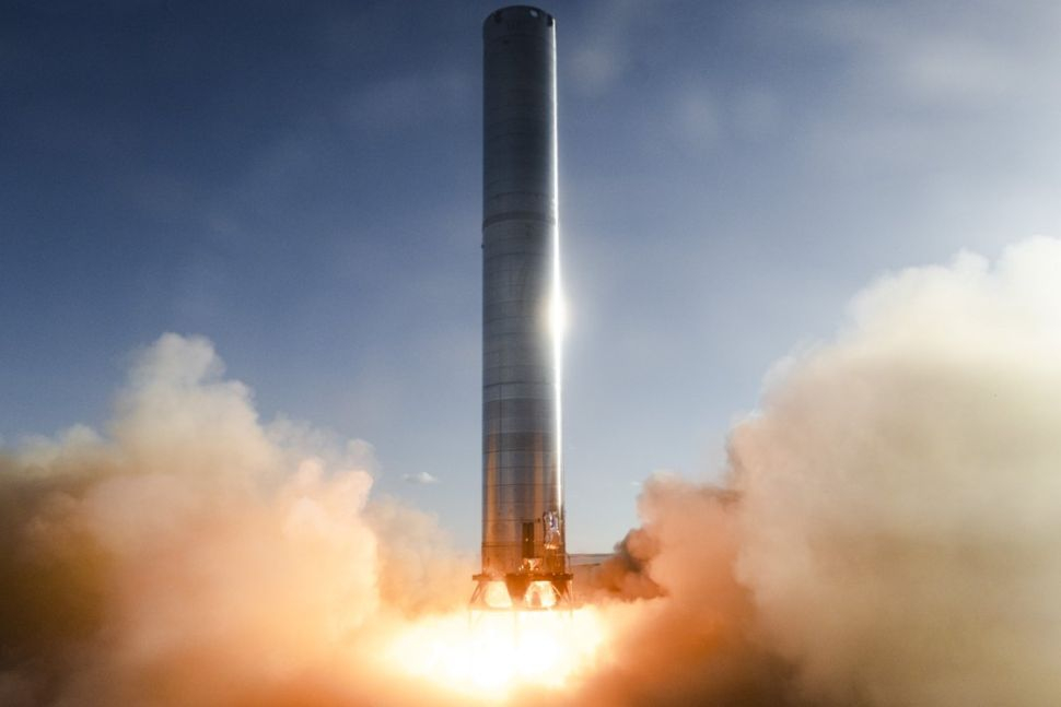 SpaceX провела тестовый пуск двигателей сверхтяжелой ракеты Super Heavy