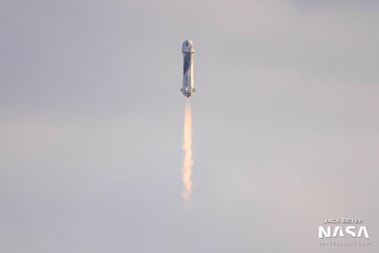 Первый туристический полёт в космос Blue Origin в качественных фотографиях2