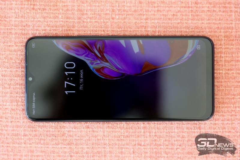 Infinix HOT 10s, лицевая панель: в верхней части экрана — вырез с фронтальной камерой, разговорный динамик и две светодиодные вспышки, вписанные в рамку; правая из них служит также индикатором зарядки