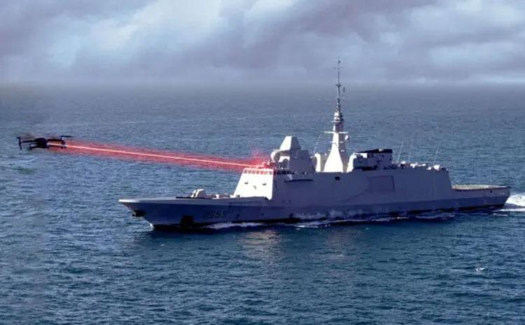 Уничтожение дрона боевым лазером морского базирования в представлнии художника. Источник изображения: French Navy