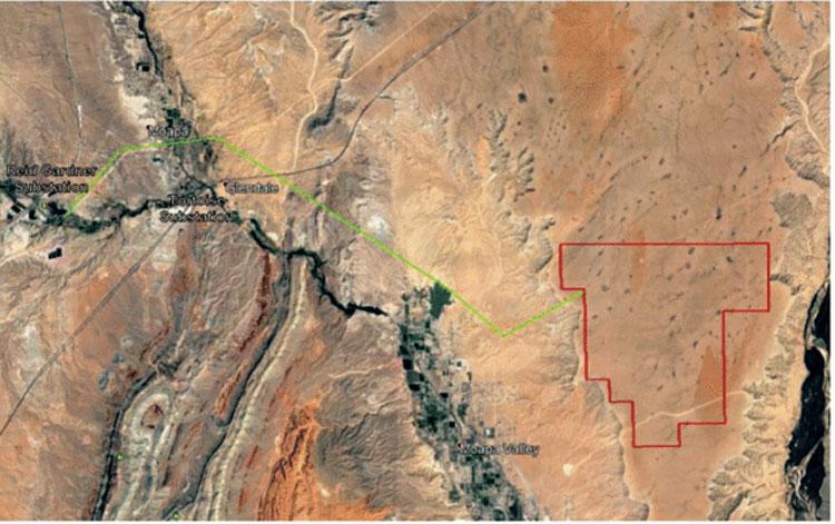 Красным обозначена площадь солнечной фермы, а зелёным — её подключение к энрегосети штата