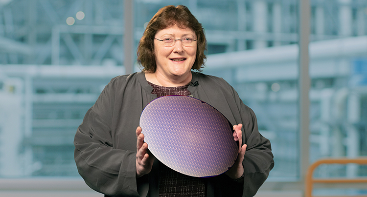 Энн Келлехер (Ann Kelleher), старший вице-президент и генеральный менеджер Intel по развитию технологий