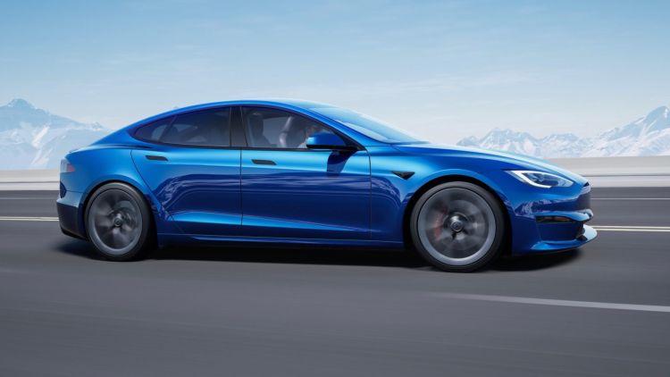 Подписка на автопилот Tesla FSD начнёт приносить компании значимый доход не раньше следующего года