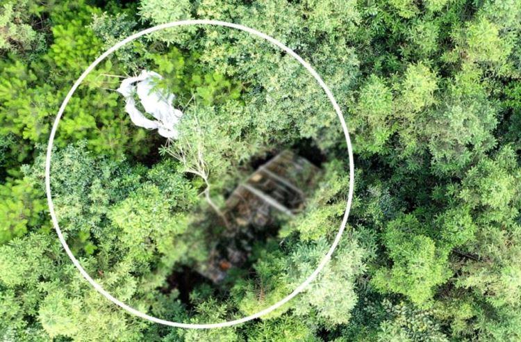 Упавший в безлюдном месте головной обтекаель ракеты Long March 2C / Изображение: CASC