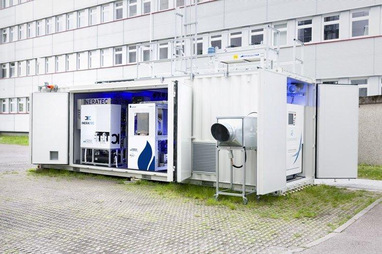 Установка по получению из воздуха в сутки 10 литров синтетического топлива. Источник изображения: P2X project/Patrick Langer, KIT