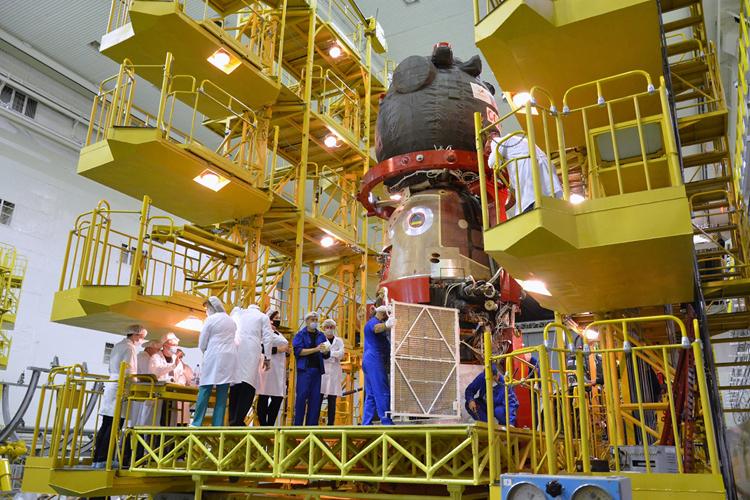 Выяснились подробности о дыре в пилотируемом корабле «Союз МС-09»— её просверлили уже на орбите1