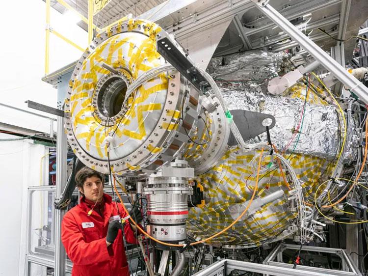 Демонстратор компактного термоядерного реактора в Великобритании построят к 2025 году1