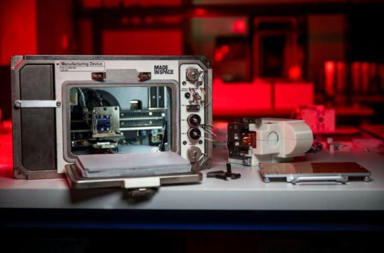 На МКС доставили 3D-принтер, который работает на реголите, и не только1