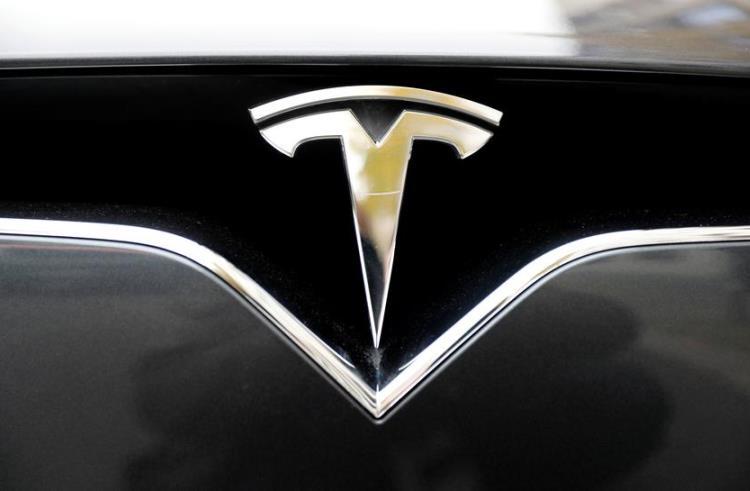 В США началось официальное расследование в отношении автопилота Tesla