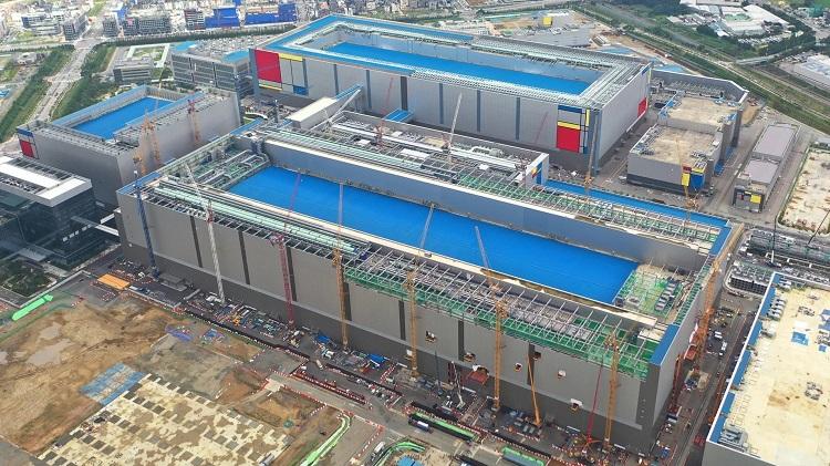 Один из крупных заводов Samsung может быть полностью остановлен из-за пандемии