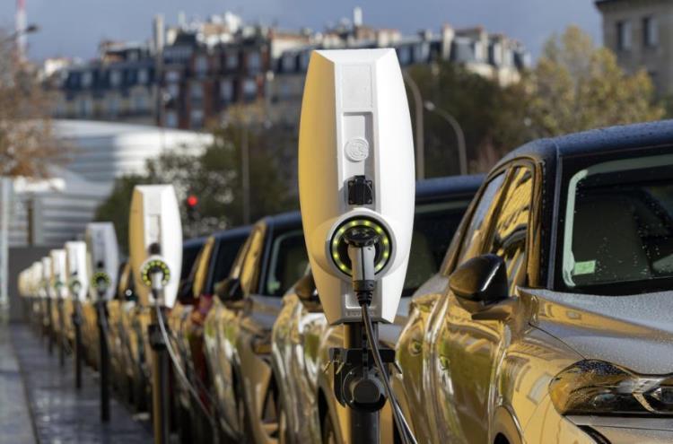Правительство решило развивать электротранспорт: 10 % российских авто к 2030 году будут электрическими