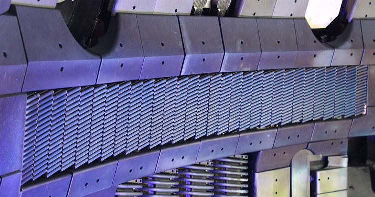 Геликоновая антенна в токамаке DIII-D. Источник изображения:
