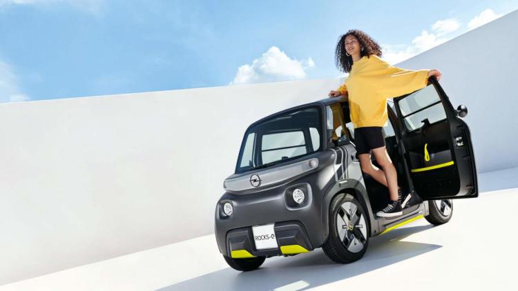 Анонсирован миниатюрный электромобиль Opel Rocks-e—  запас хода на 75 км, мощность 8 л.с. и скорость до 45 км/ч